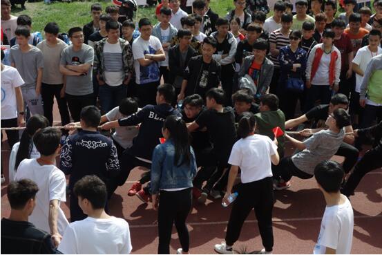 郑州北大青鸟翔天信鸽校区2017年春季运动会