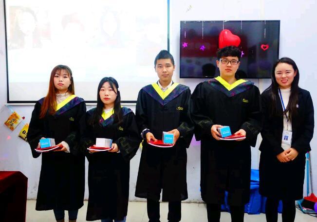 郑州北大青鸟翔天信鸽班级优秀学员