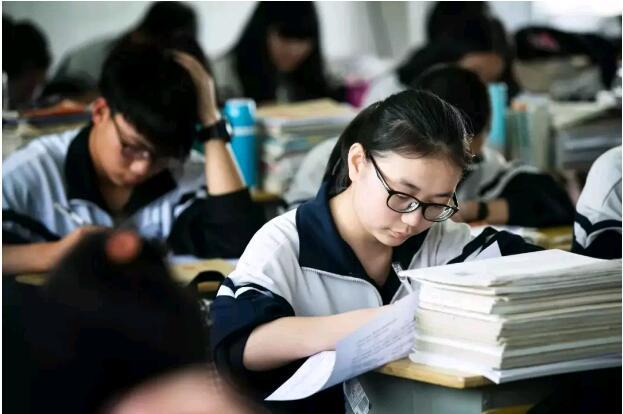 北大青鸟郑州校区分享高考考生家长怎么做才对