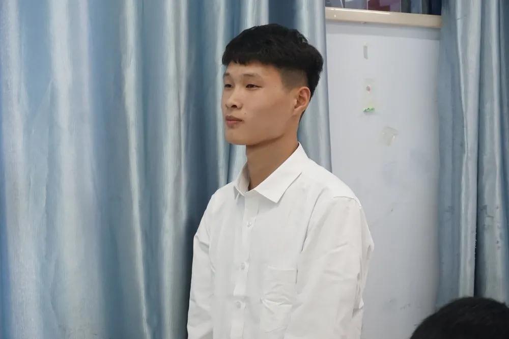 郑州北大青鸟翔天信鸽网络205班开学典礼