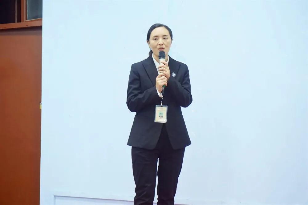 郑州北大青鸟翔天信鸽教学就业三季度总结暨四季度计划报告圆满召开