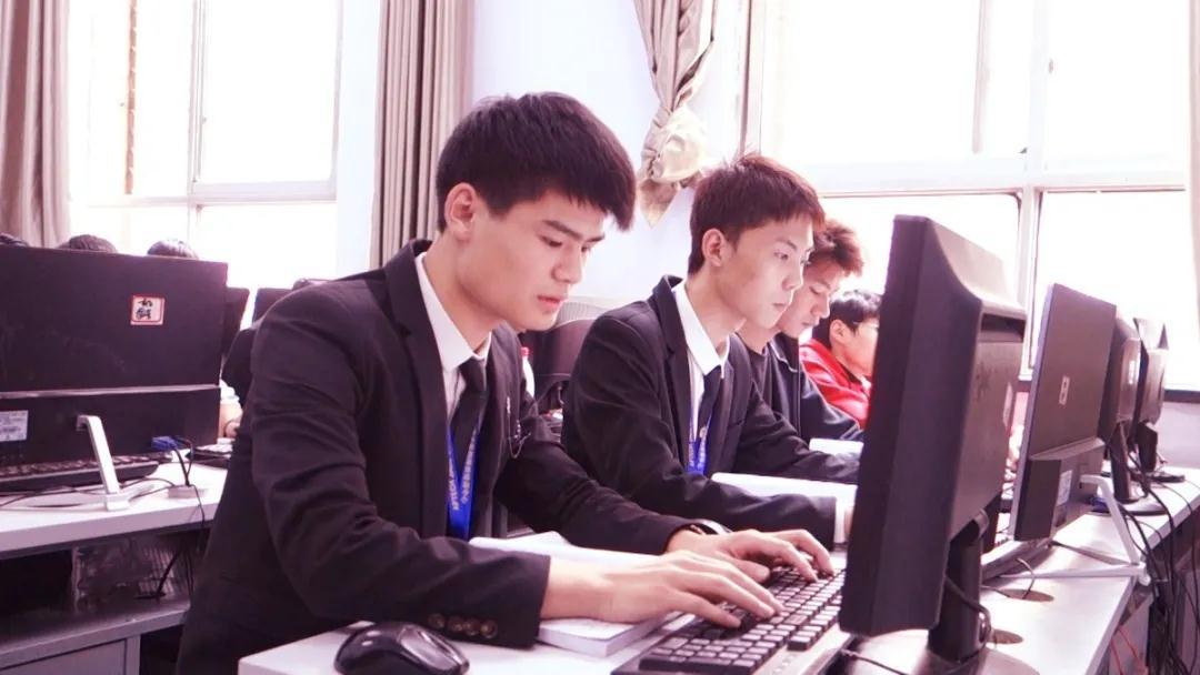 郑州北大青鸟翔天信鸽软件学院简介