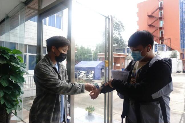热烈欢迎郑州北大青鸟翔天信鸽学员们开学报到
